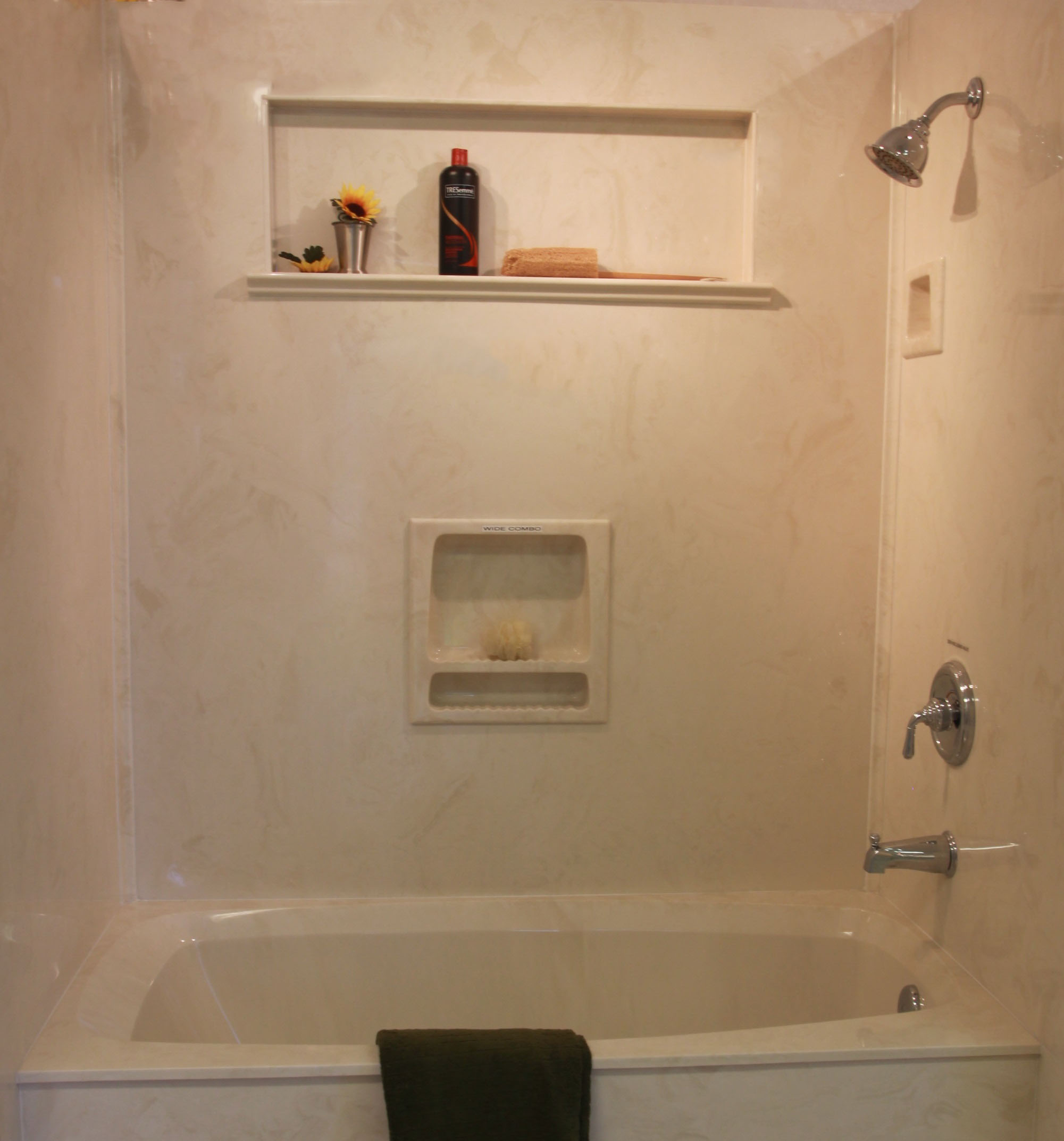 Superieur Bath Shower Combo W Out Doors Cultured4