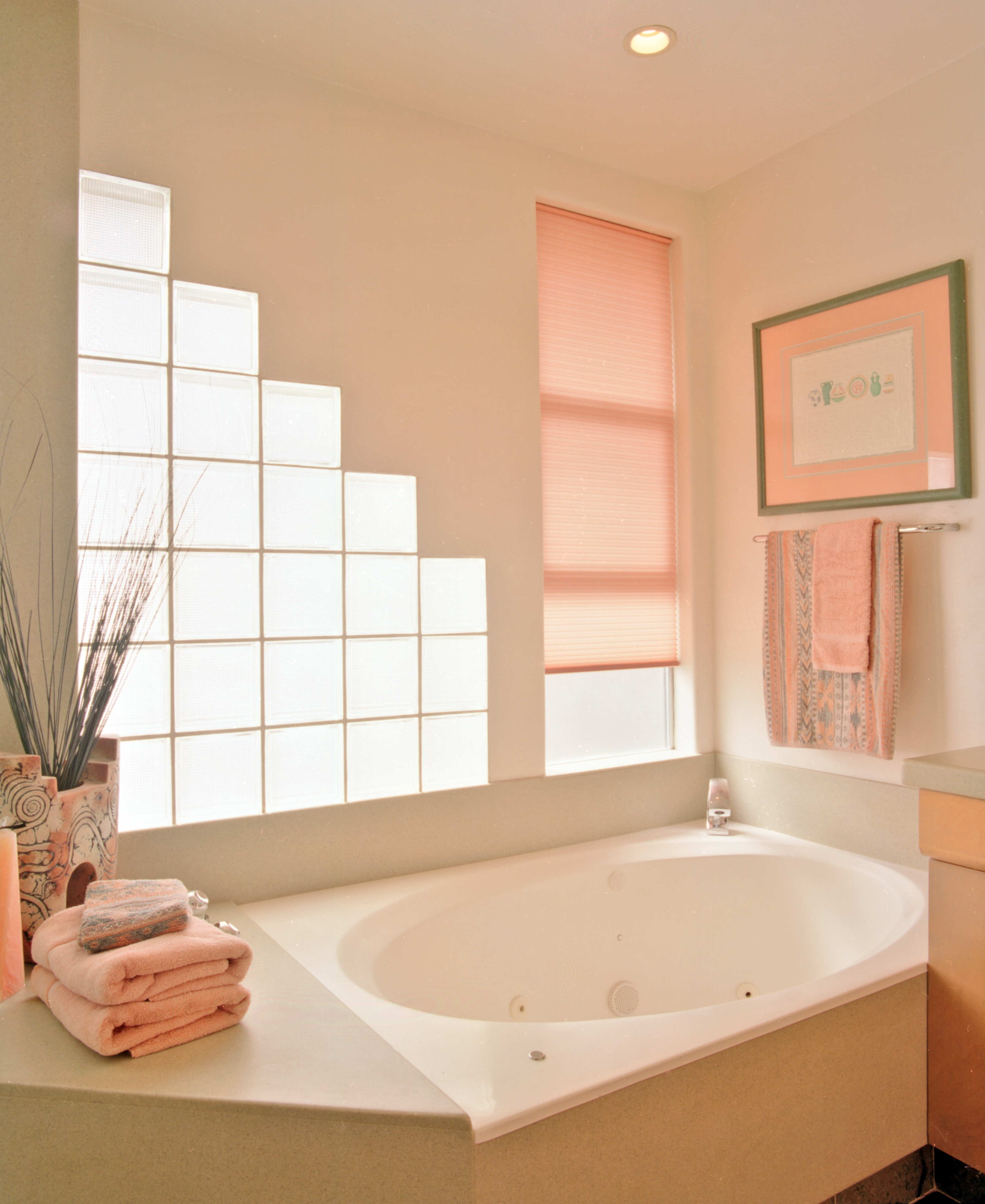 Bathroom Surround Cultured Marble Salmon LOW