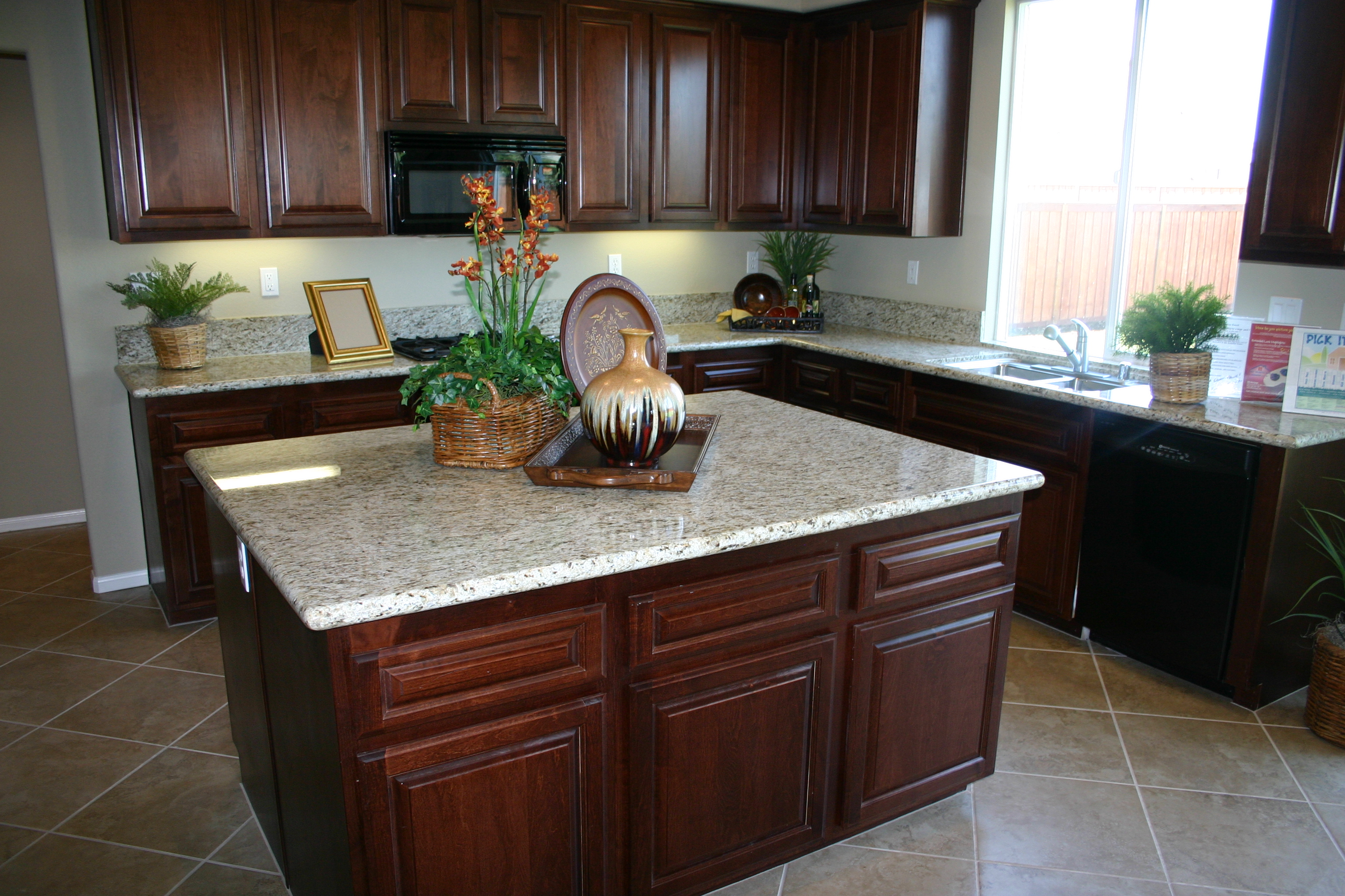 Cartoon kitchen counter gallery - Kitchen Counter Granite16b